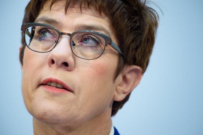 Annegret Kramp-Karrenbauer ne succédera pas à Angela Merkel. © AFP