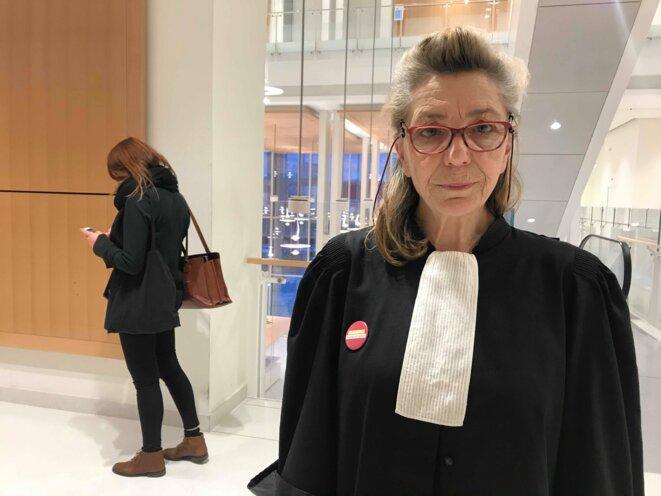 Tangalakis Catherine, avocate au barreau de Paris depuis 1993 : «Je vais plaider gratuitement. Par élan de solidarité, parfois je doute qu'on puisse gagner mais faut tout tenter. On fait la Saint-Valentin ici. Je n'ai ni chat, ni chien, ni mari donc c'est pas grave. Mon travail c'est ma vie.» KZ