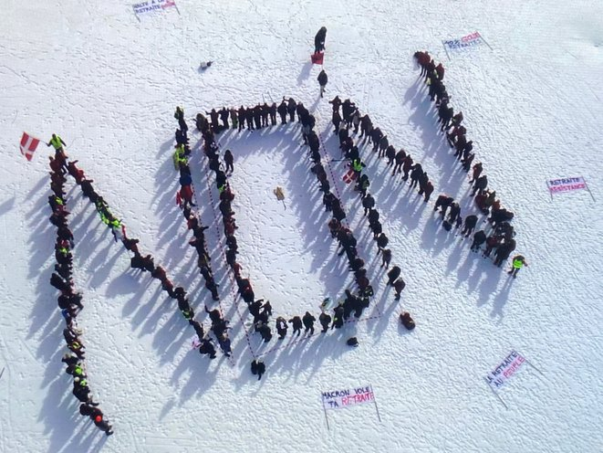 200 citoyens  disent NON à la casse sur système de retraites.