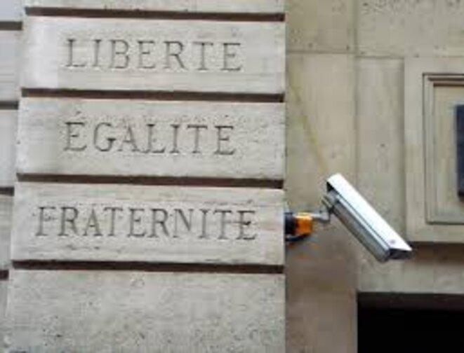 liberte-egalite-surveillance
