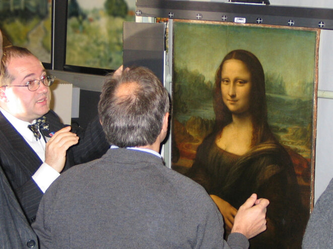 Expert Pascal Cotte during the digitisation project on the 'Mona Lisa' in 2004. © DR