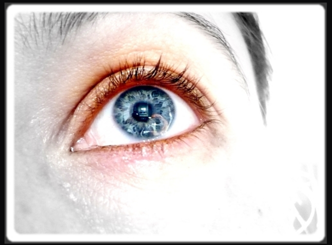 Luna has got stars into her eyes / self-portrait © Luna TMG