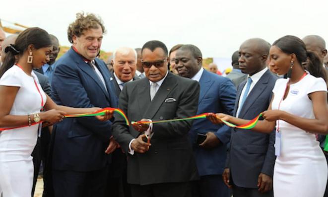 Coupure du ruban en signe d'inauguration des nouveaux quais du #Papn par Denis #Sassou N'Guesso