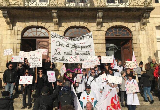Le mouvement social : ici, manifestation contre la réforme des retraites et pour l'hôpital public, alliance des enseignants et des soignants à Auch le 14 février [Photo YF]