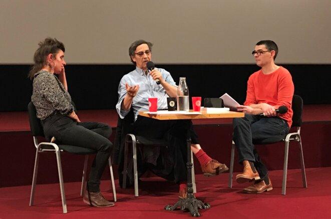 Emmanuel Todd à Auch, entouré des libraires Pascal Pralon et Marielle Dy [Photo YF]