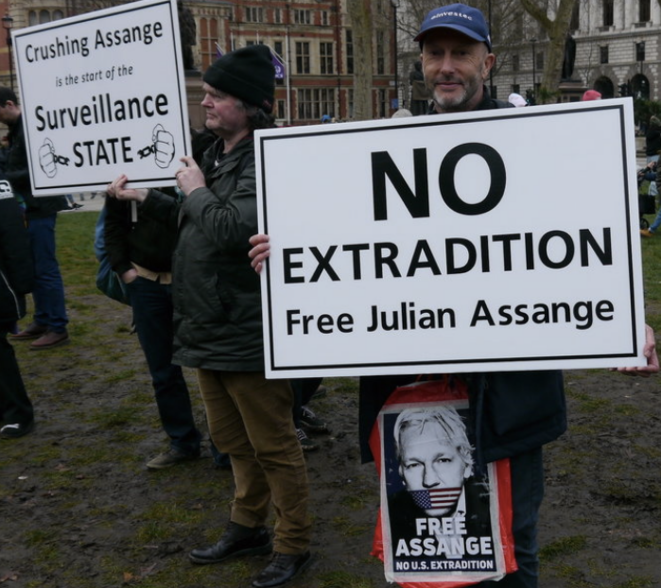 Protests in London in support of Julian Assange. © Jérome Hourdeaux