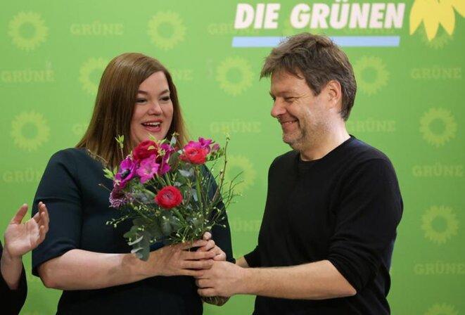 Katharina Fegebank, tête de liste des Verts aux régionales à Hambourg, avec Robert Habeck, l'un des deux dirigeants du parti, dont il incarne l'aile réaliste. © Reuters