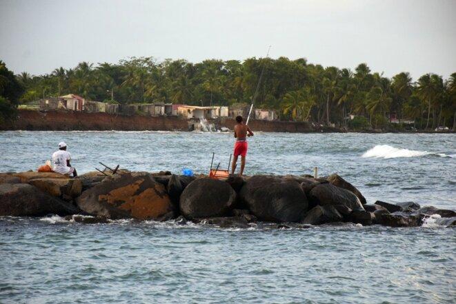 En Guadeloupe, les falaises reculent, des familles s'accrochent
