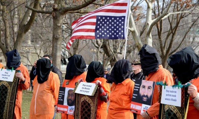 Manifestation contre le camp de Guantanamo à Washington le 11 janvier 2020. © Mike Theiler / Reuters
