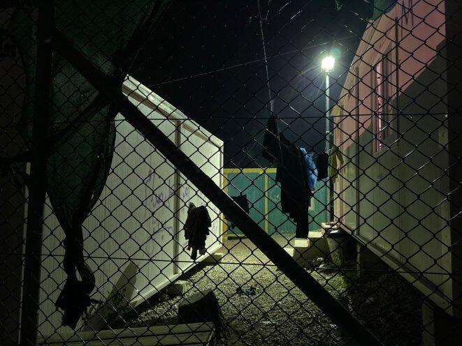 """À Moria, la """"safe zone"""" (ou """"zone sécurisée"""") réservée aux mineurs. © Ingeborg Eliassen"""