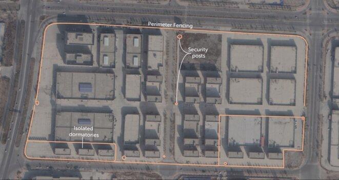 Remarque : l'usine est entièrement entourée d'une clôture et compte plusieurs dortoirs résidentiels isolés par une clôture. En outre, il y a plusieurs postes de sécurité dans l'ensemble de l'installation. Source : Centre international de cyberpolitique de l'ASPI.