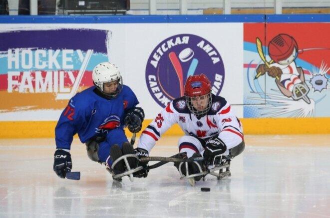 © Projet «Хоккей без барьеров»