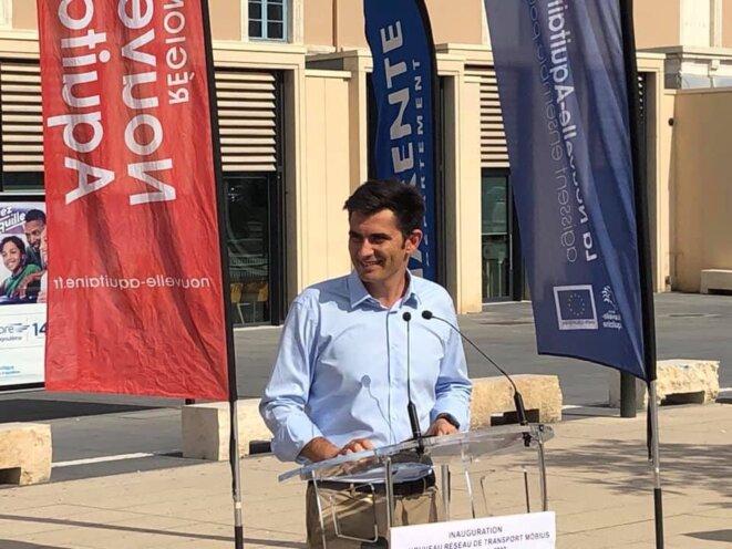À Angoulême, Xavier Bonnefont est un « maire de proximité à plein-temps ». © Twitter / @XavierBonnefont