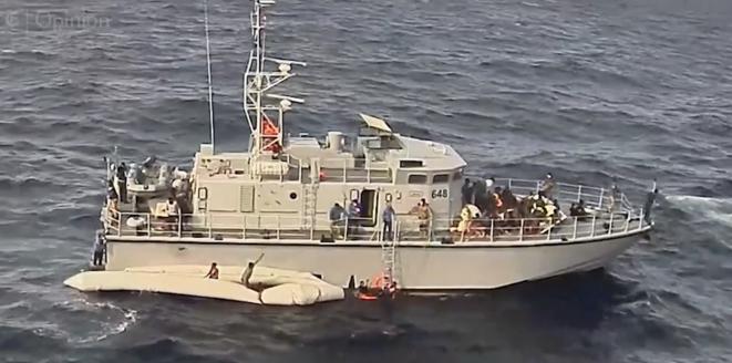 Une interception violente de migrants par des gardes-côtes libyens en novembre 2017, avec des morts à la clef. © Capture vidéo New York Times
