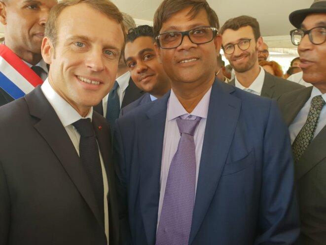 Le Président Emmanuel Macron Marcon et Jacques Gaddarkhan lors de la pose de la première pierre