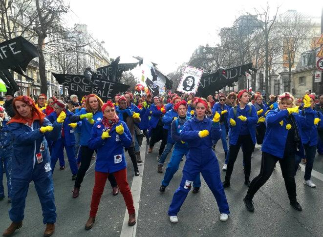Happening féministe dans la manifestation parisienne, le 29 janvier. © D.I.