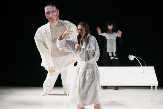 Cécile, conception Marion Duval et Luca Depietri (KKuK), mise en scène Marion Duval, performance Cécile Laporte, 2019.e © Mathilda Olmi