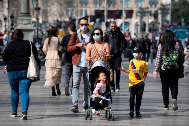 En Catalogne, la population respecte les règles imposées par le gouvernement espagnol © AFP