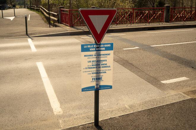 panneau de fermeture en place avant le Pont Rouge © plbillot