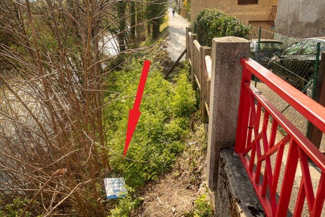pancarte de fermeture en bas du talus après le Pont Rouge © plbillot