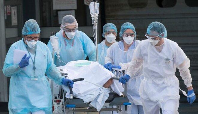 L'épidémie s'étend et continue de s'aggraver avec une circulation intense du virus dans de nombreuses zones. © AFP
