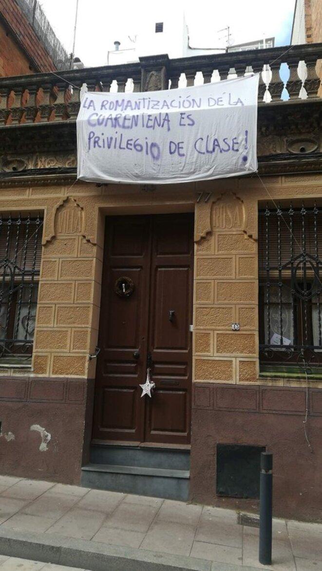 """""""La romantisation de la quarantaine est un privilège de classe"""""""
