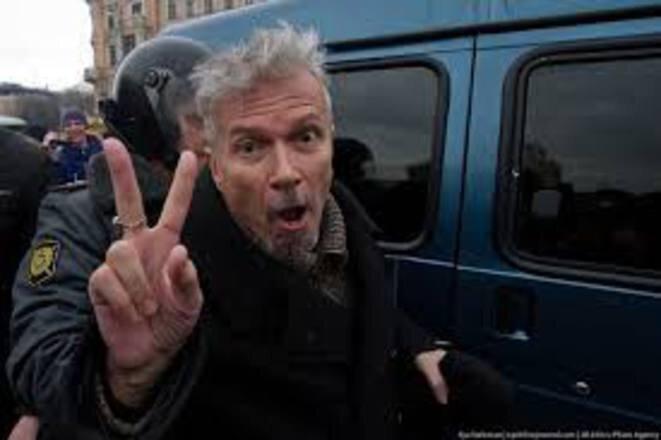 L'une des nombreuses arrestations de Limonov au début des années 2010. © (dr)