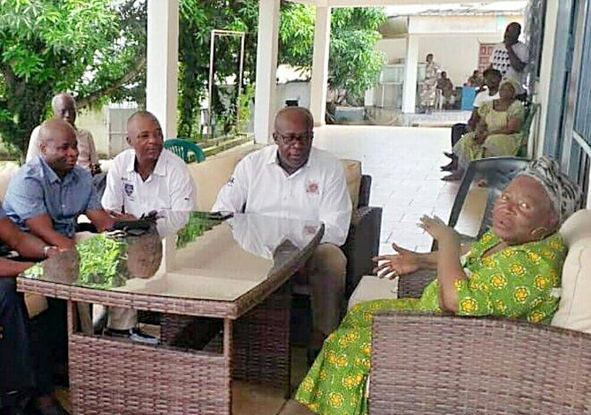 Didier Mengome (à gauche) chez Patience Dabany : un opportunisme assumé
