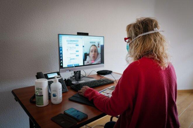 Comme au centre de lutte contre le cancer de Nancy, les médecins multiplient les télé-consultations. Ici à Nice, médecins et dentistes soulagent à distance le trafic vers les hôpitaux. © Arié BOTBOL / Hans Lucas via AFP