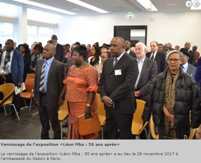 """1er rang  à gauche - Félix Léon MBA - Photo prise en novembre 2017- Ambassade du Gabon à Paris – Vernissage """"Léon MBA : 50 ans après"""""""