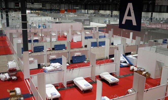 """Le centre des congrès de Madrid dans lequel s'est tenue la COP25, transformé en """"hôpital"""" de fortune pour faire face à la pandémie"""
