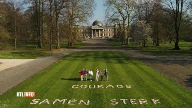 """Le 5 avril, la famille royale belge envoie ses vœux à la population (""""Courage, ensemble nous sommes forts"""") depuis son domaine de 186 hectares, dont la superficie dépasse celle de certaines communes de la région bruxelloise."""