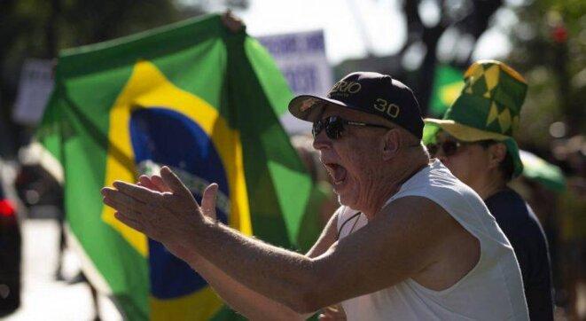 Manifestation à Sao Paulo et Brasilia pour la réouverture des commerces © Blog de Jamildo