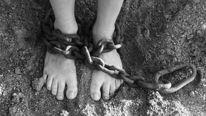 Chaines Pieds Sable © PublicDomainPictures