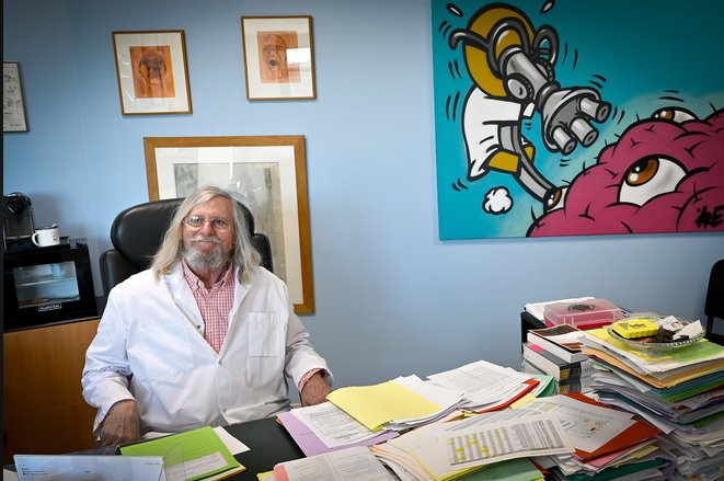 Professor Didier Raoult in his Marseille office, February 2020. © GERARD JULIEN / AFP