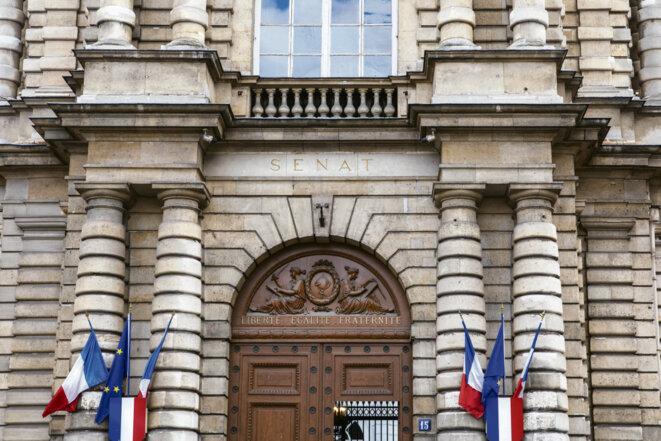 Devant le Senat, Paris, le 13 mars 2020. Copyright: Mathieu Menard / Hans Lucas