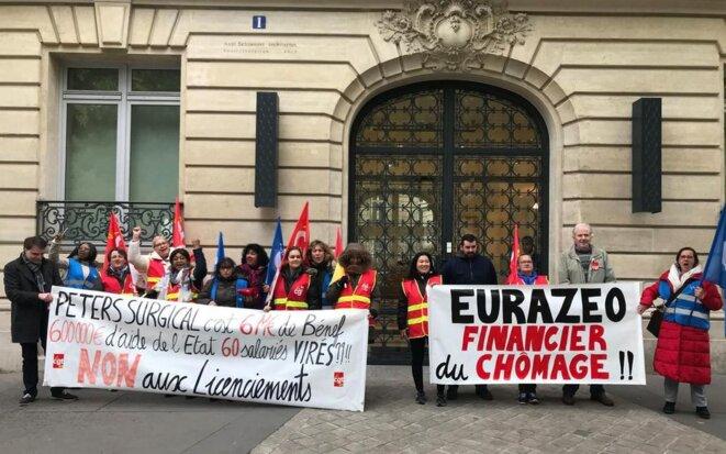 Manifestation le 30 octobre 2019 devant le siège d'Eurazeo, actionnaire de Péters Surgical.