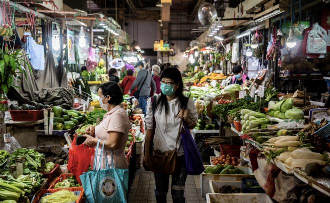 Dans un marché à Hong Kong. © AFP