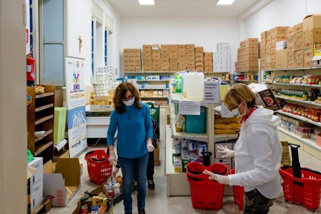 Dans les Pouilles, une collecte solidaire. © Davide Pischettola /NurPhoto via AFP