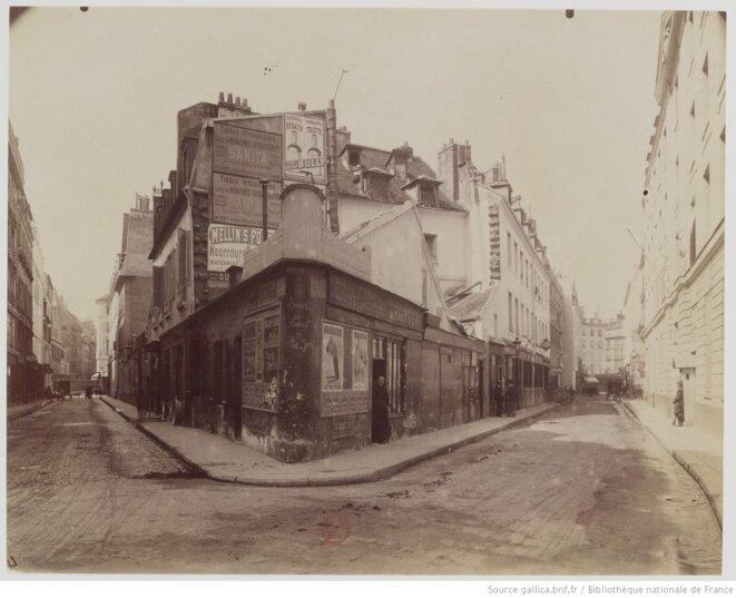 Coin de la rue Matignon et de la rue de Penthièvre, où habite Eugène Rougon dans «La Curée» d'Émile Zola. © Eugène Atget / Gallica / BnF