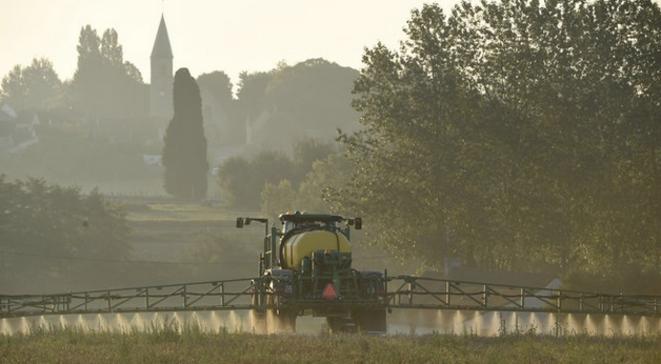 Pulvérisation de glyphosate en Sarthe (archives). © AFP