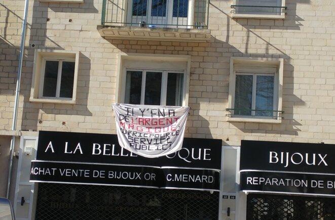 La banderole de Victor, à Caen. © DR