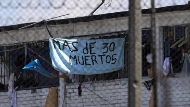 Les prisonniers dénoncent le massacre à La Modelo, prison de Bogota © AFP