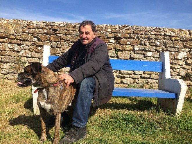Jean-Michel et son chien Lobo. © JLLT / MP