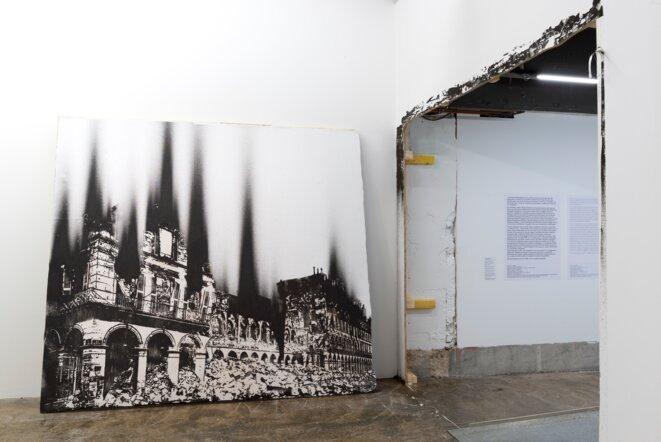 """Nicolas Daubanes, Vue de l'exposition """"L'huile et l'eau"""", Prix des Amis du Palais de Tokyo 2018, Palais de Tokyo, 2020. © Marc Domage"""