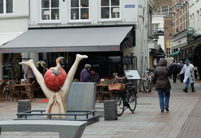 Dans les rues de Bois-le-Duc, Pays-Bas. Jérôme Bosch, le fils du pays, partout présent [Ph.YF]