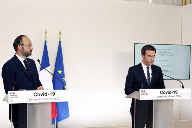 Édouard Philippe et Olivier Véran lors de leur conférence de presse, dimanche 19 avril 2020. © Thibault Camus / AFP
