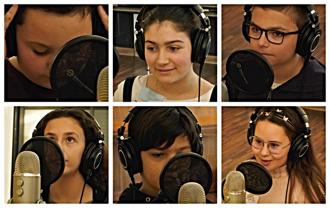 """Six élèves du collège de Mallemort enregistrent le morceau """"Il était la Terre"""", en février 2020. © Léora Balbi"""