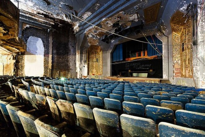 Théâtre en ruines. © Matt Lambros, The Last Show