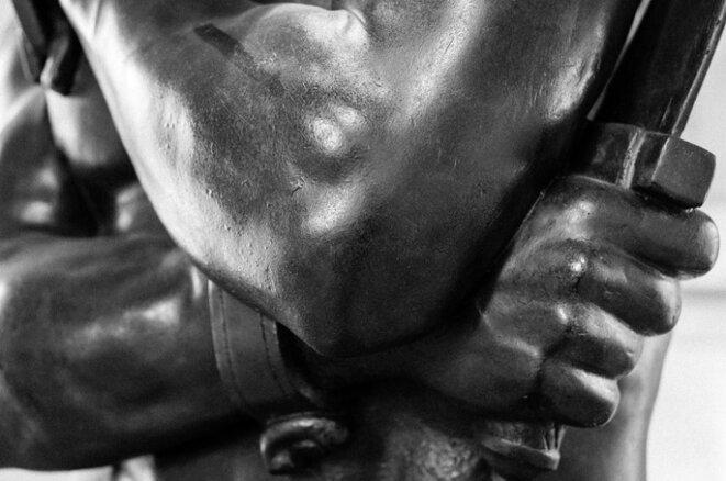 Spartacus (détail), sculpture de Sculpture de marbre de Denis Foyatier (1830), Musée du Louvre.